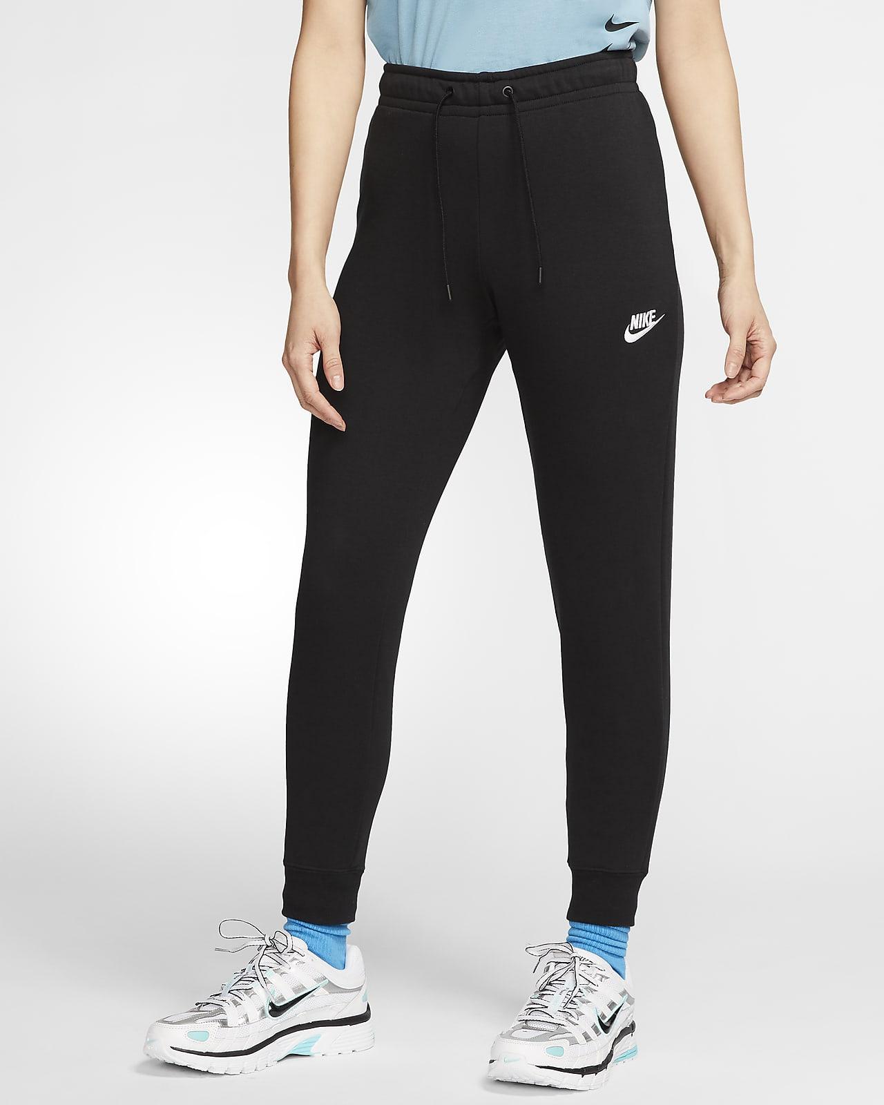Nike Sportswear Essential Fleece-Hose mit mittelhohem Bund für Damen