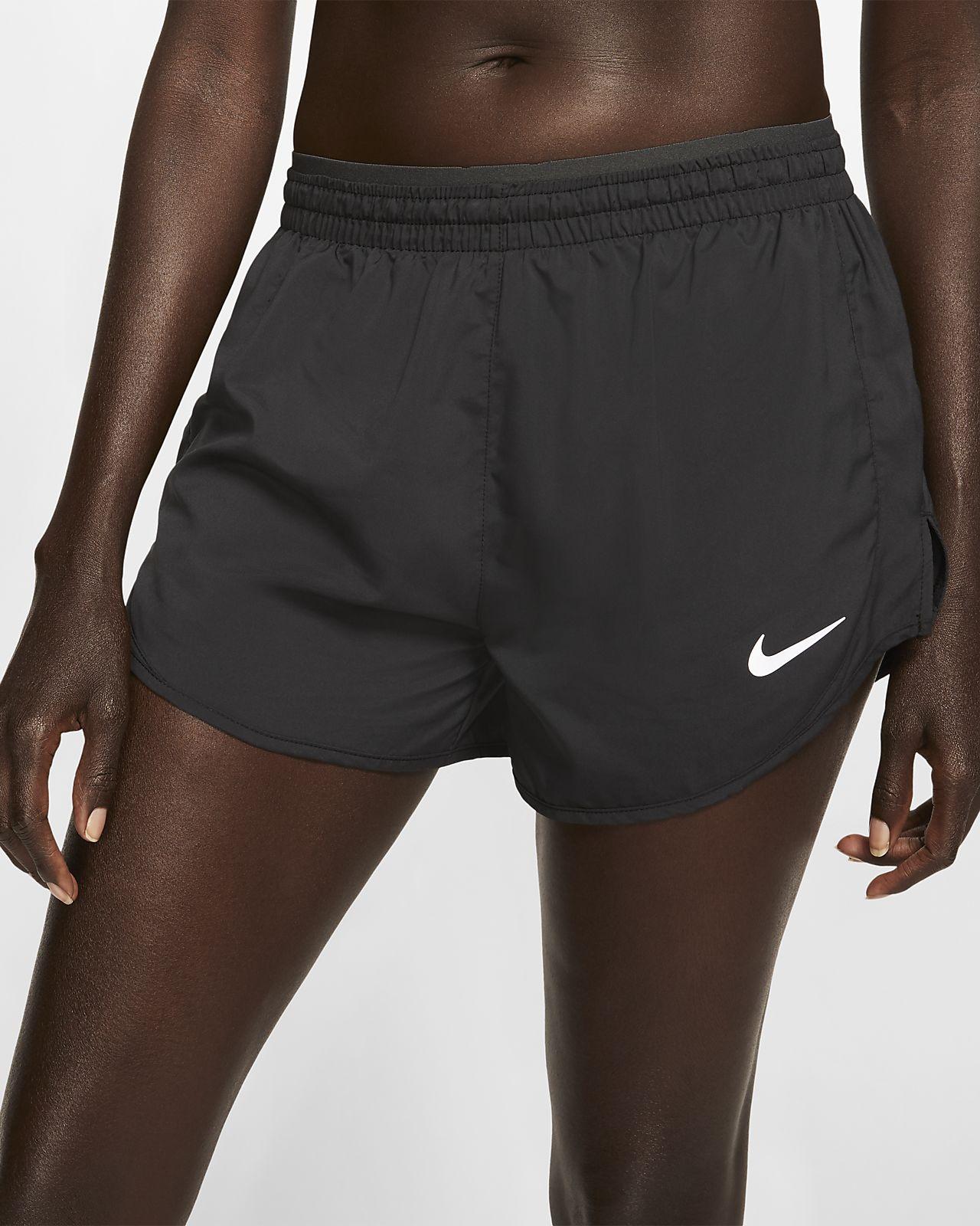 กางเกงวิ่งขาสั้นผู้หญิง Nike Tempo Luxe