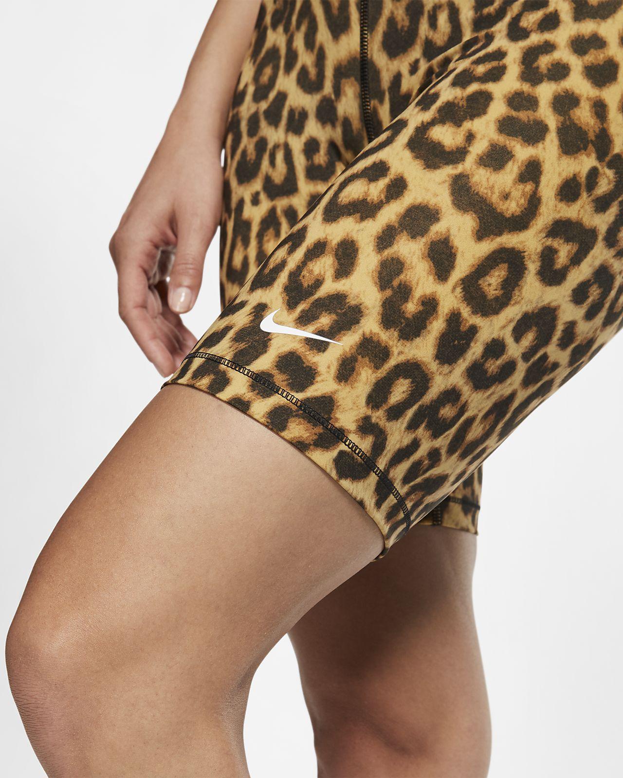 Nike Pro shorts med print (20,5 cm) til kvinder. Nike DK