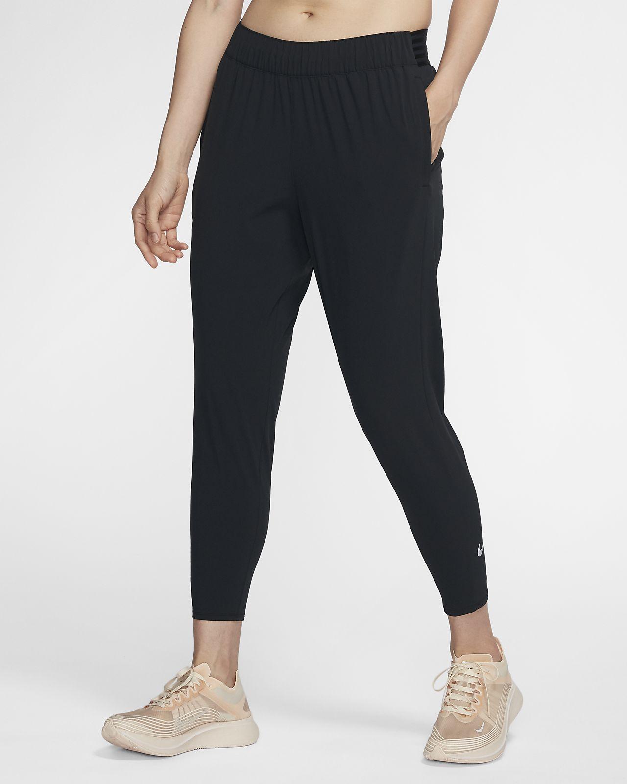กางเกงวิ่งผู้หญิง 7/8 ส่วน Nike Essential