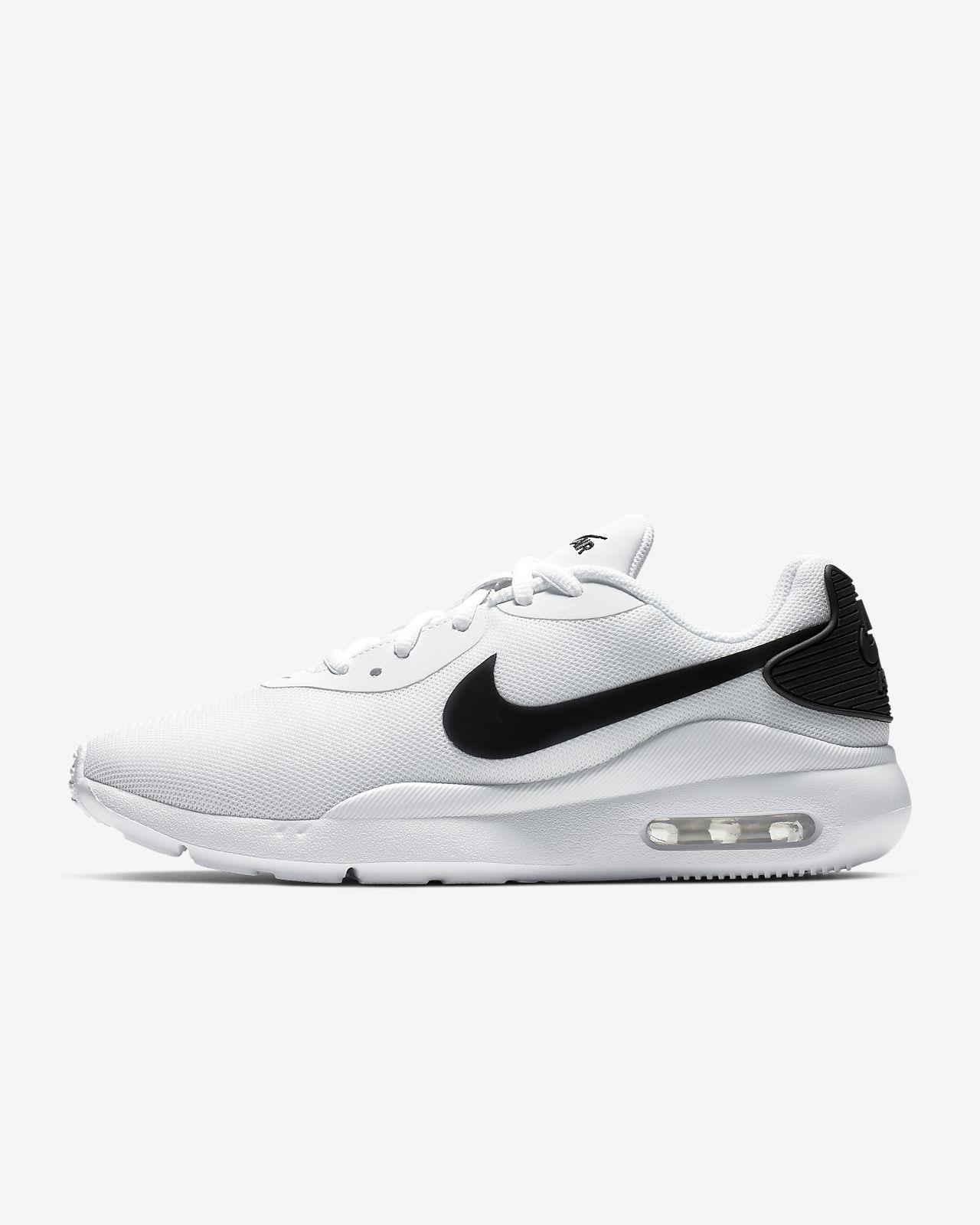 Nike Air Max Oketo 女子运动鞋