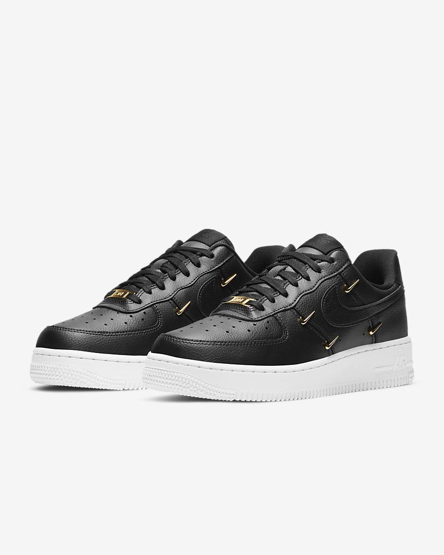 Nike Air Force 1 07 LX Mulher