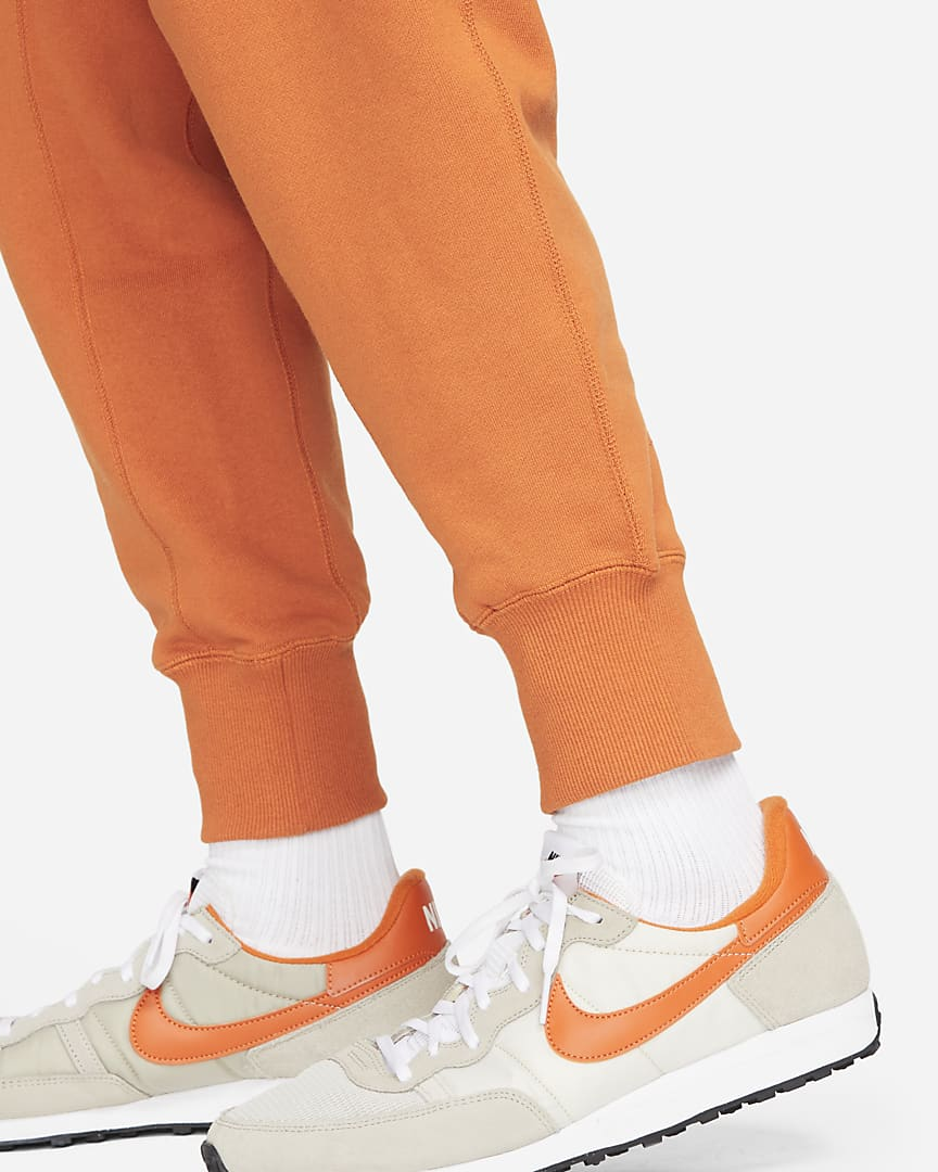 Nike Sportswear Men\'s Classic Fleece Pants Sport Spice/Hot Curry