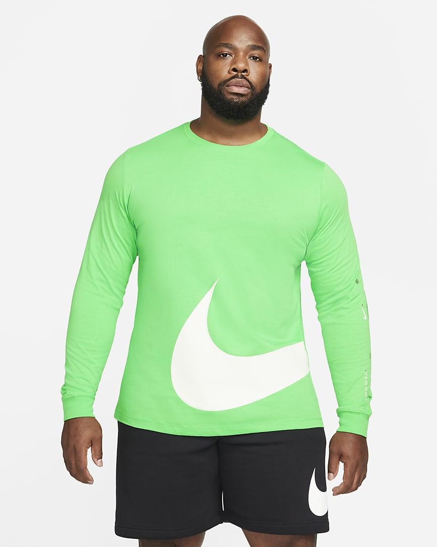 Nike Sportswear Men\'s Long-Sleeve T-Shirt Light Green Spark