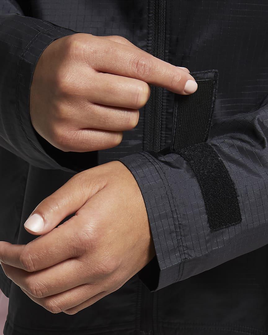 Nike Essential Women\'s Running Jacket (Plus Size) Black