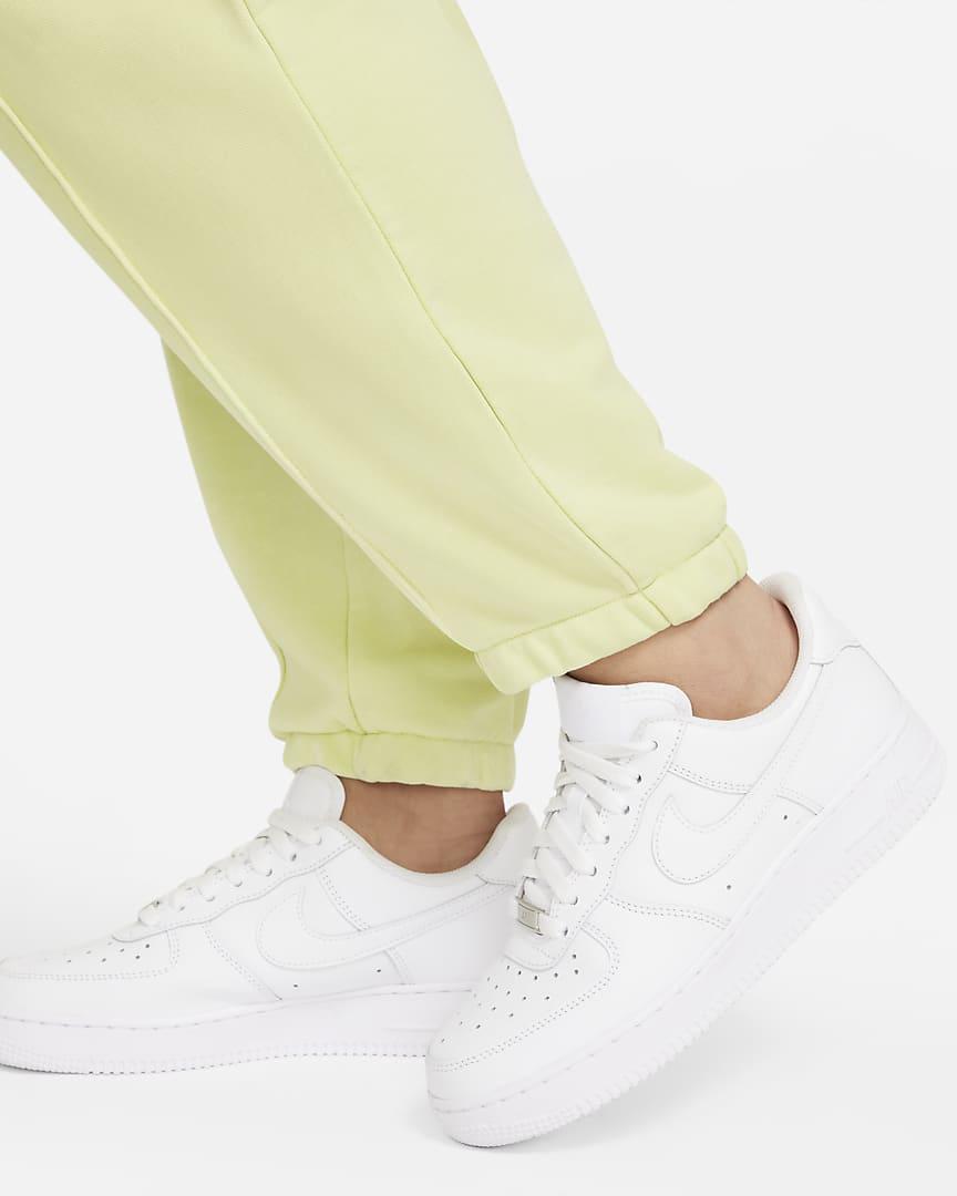 Nike Sportswear Essential Collection Women\'s Washed Fleece Pants (Plus Size) Light Liquid Lime/Black