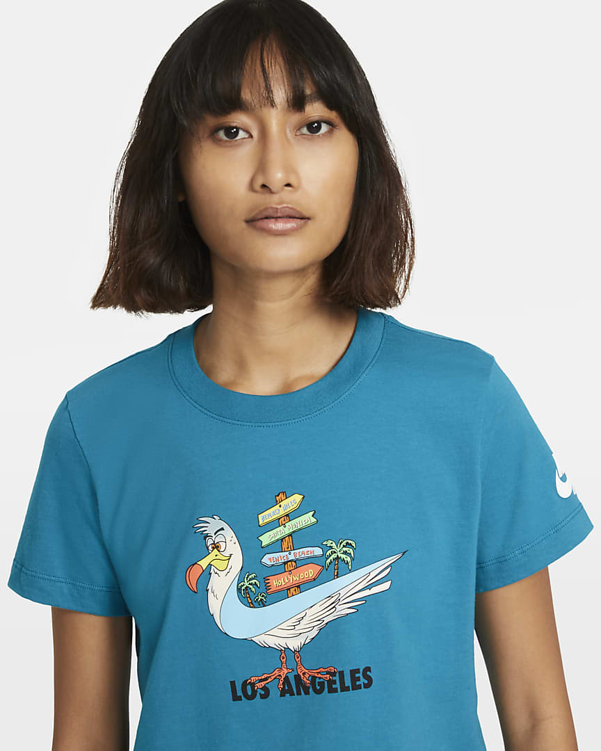 Nike Sportswear Essential Women\'s T-Shirt Blustery