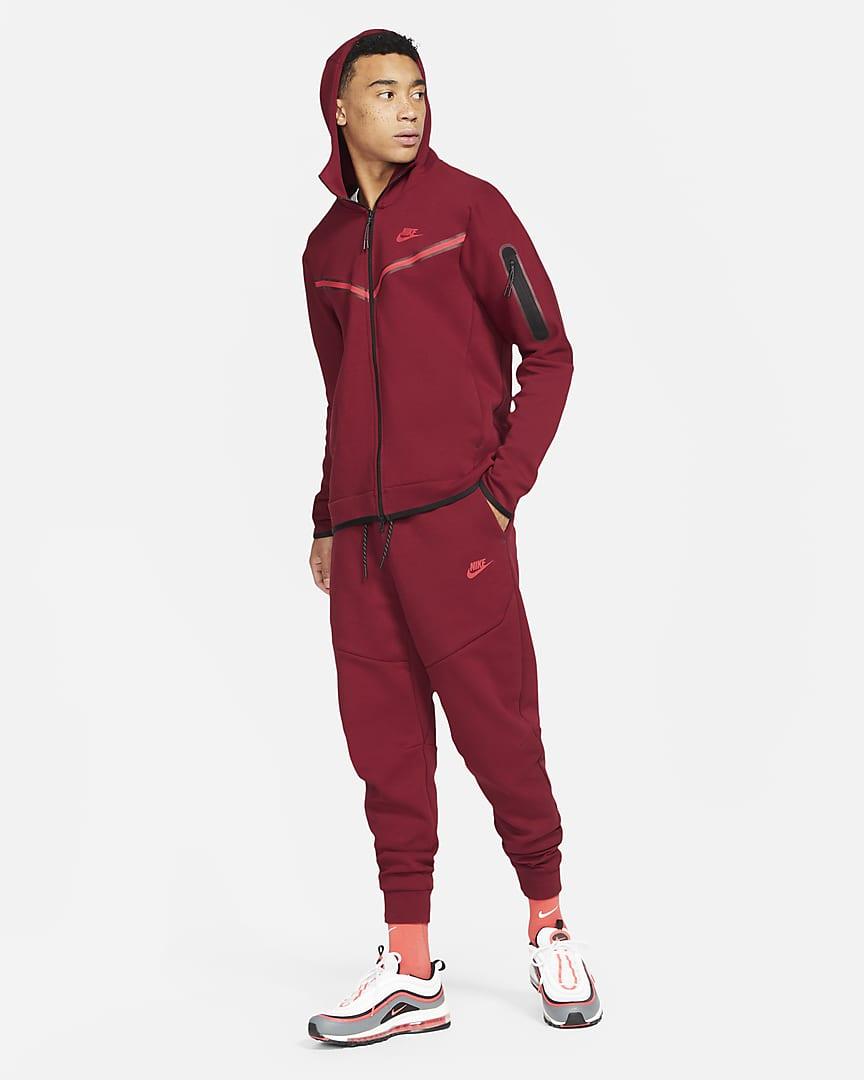 Nike Sportswear Tech Fleece Men\'s Joggers Team Red/University Red