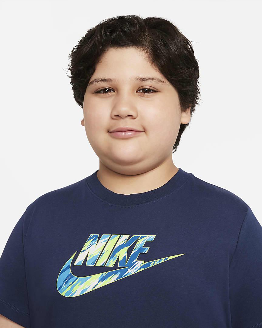 Nike Sportswear Big Kids\' (Boys\') T-Shirt (Extended Size) Midnight Navy