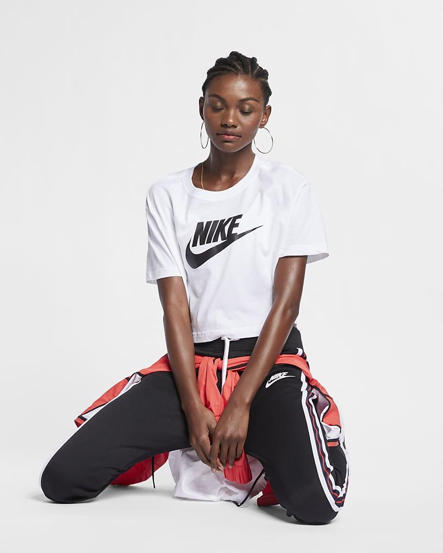 Nike Sportswear Essential Women\'s Cropped T-Shirt White/Black