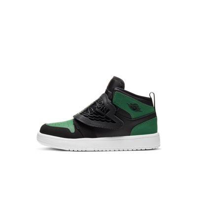 Sky Jordan 1 Younger Kids' Shoe. Nike EG