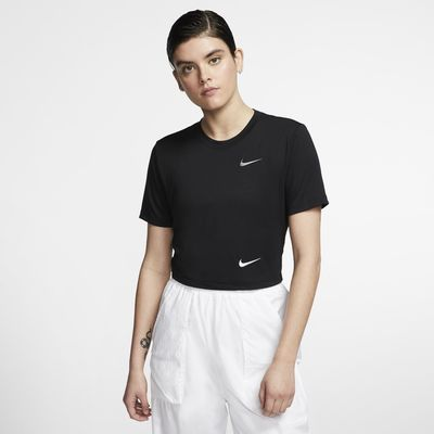 Nike Sportswear Women's Slim Fit Crop Top