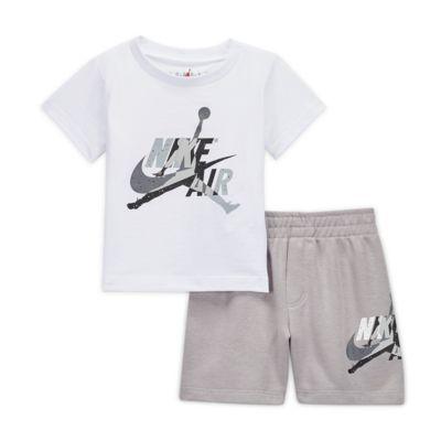 Conjunto de playera y shorts para bebé Jordan Jumpman Classics (12 a 24 meses)