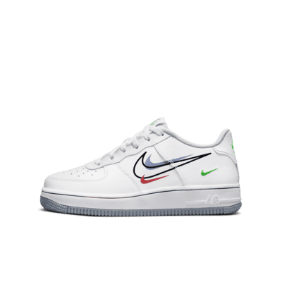Nike Air Force 1 Low Older Kids' Shoe. Nike LU