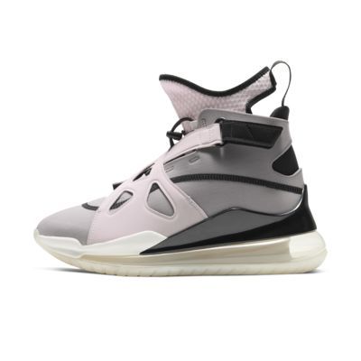 Jordan Air Latitude 720 Women's Shoe