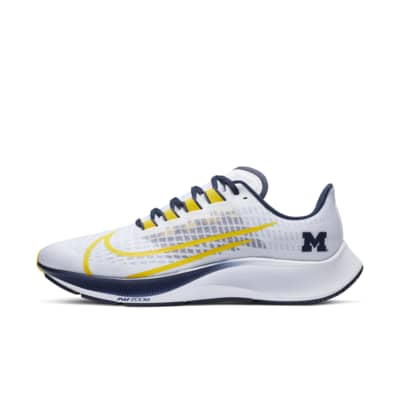 Nike College Zoom Pegasus 37 (Michigan) Running Shoe