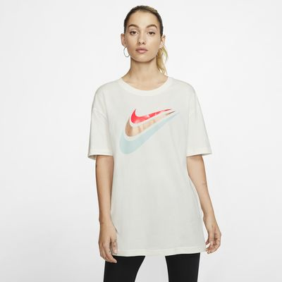 Tee shirt Nike Sportswear pour Femme