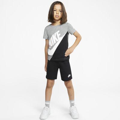 Nike 幼童T恤和短裤套装
