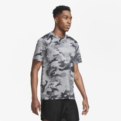T-shirt da training camo Nike Dri-FIT - Uomo
