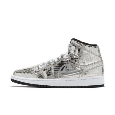 รองเท้าผู้หญิง Air Jordan 1 Mid SE