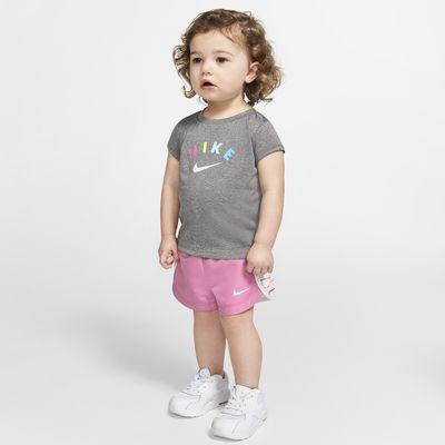 Nike Dri-FIT póló és rövidnadrág szett babáknak (12–24 hónap)