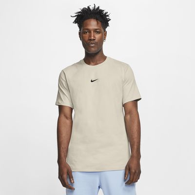 Tee-shirt avec Swoosh Nike Sportswear pour Homme