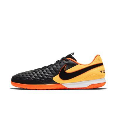 Calzado de fútbol para cancha cubierta Nike Tiempo Legend 8 Academy IC