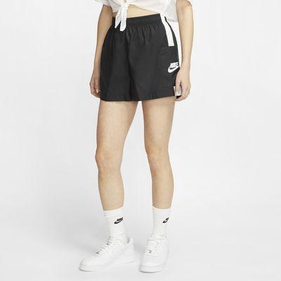กางเกงขาสั้นผู้หญิงแบบทอ Nike Sportswear