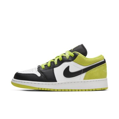 Air Jordan 1 low SE Older Kids' Shoe