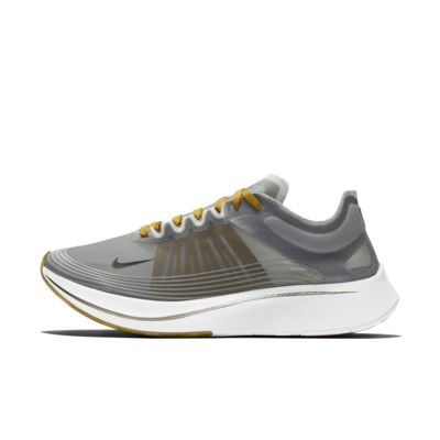 Nike Zoom Fly SP Running Shoe. Nike SG