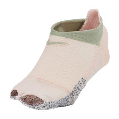 ถุงเท้าโยคะผู้หญิงเปิดนิ้วเท้า NikeGrip Studio
