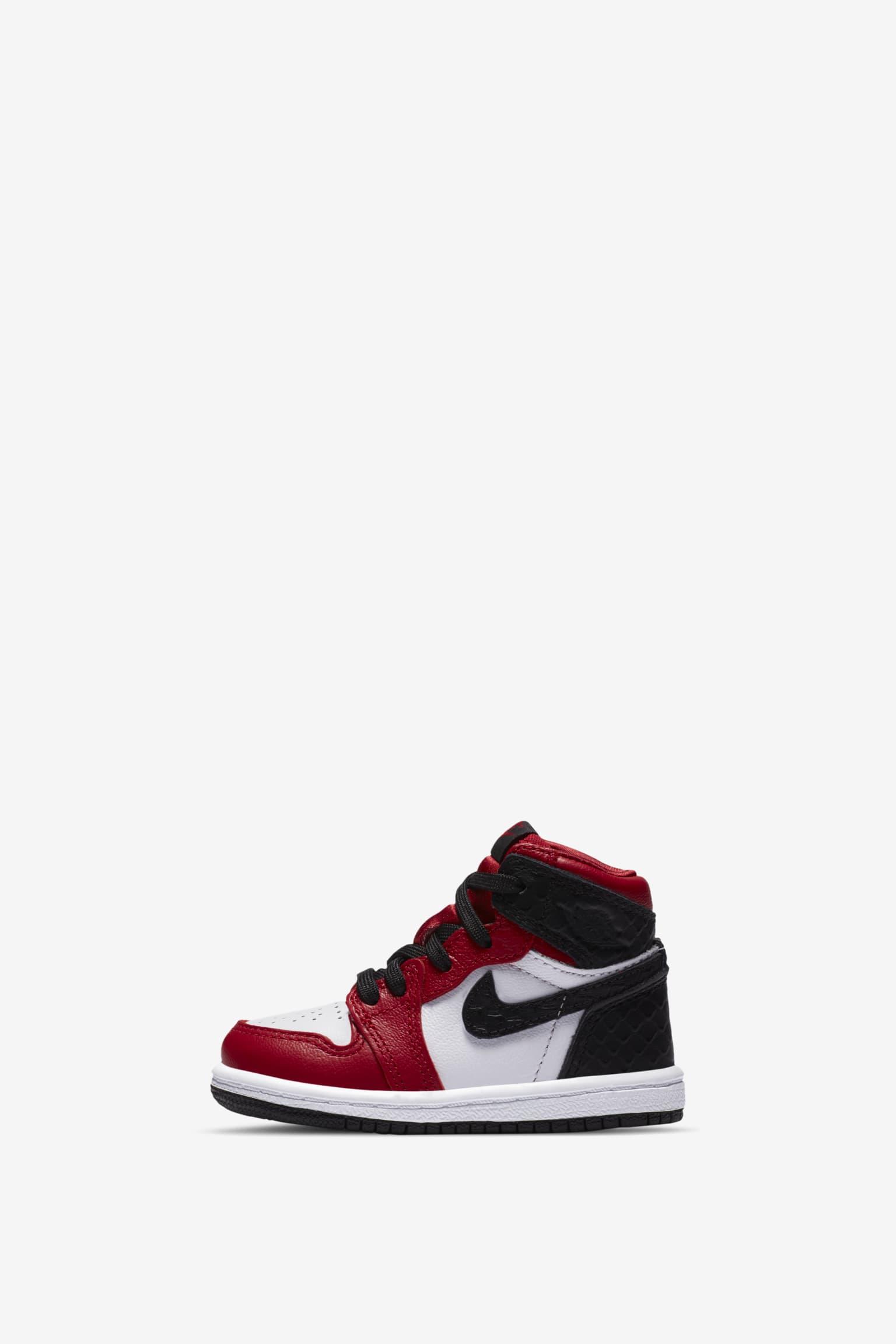 Women S Air Jordan 1 High Og Satin Red Title Snkrs Au Au
