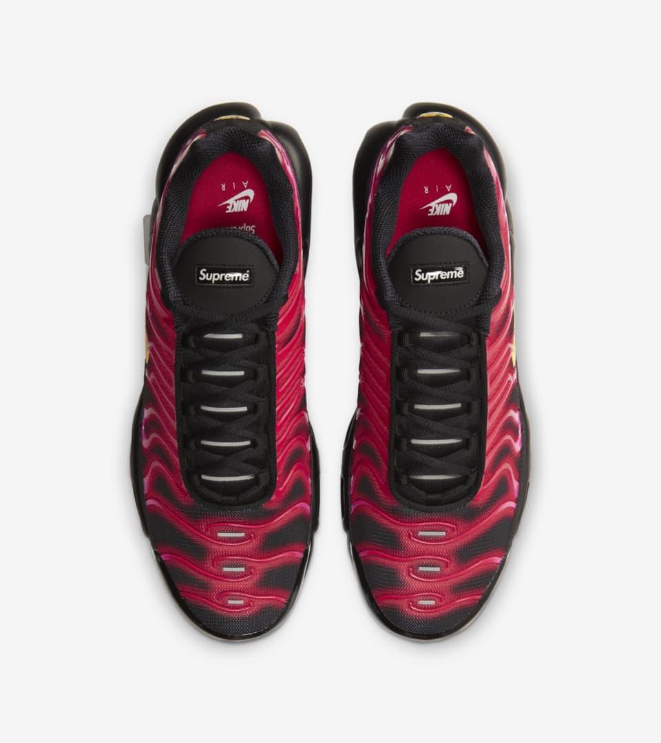 Air Max Plus x Supreme 'Fire Pink