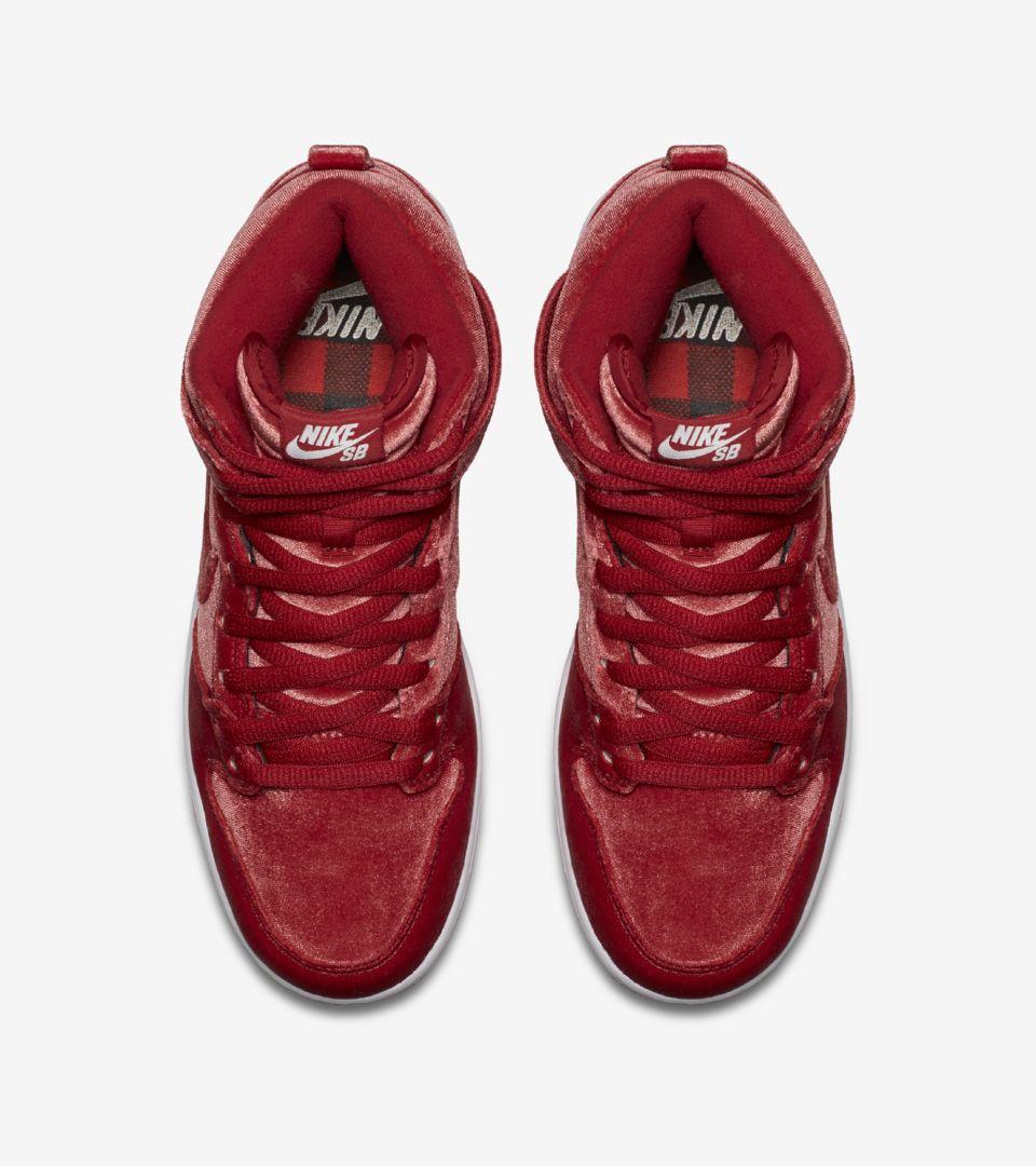 Nike SB Dunk High Premium 'Red Velvet'