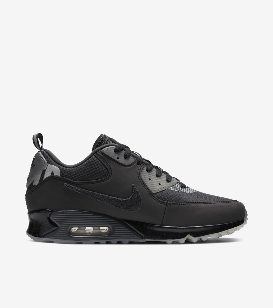 Air Max 90 x Undefeated 'Black' Release