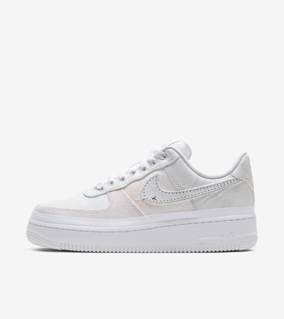 Desarmado volatilidad Interpersonal  Women's Air Force 1 'Reveal' Release Date. Nike SNKRS