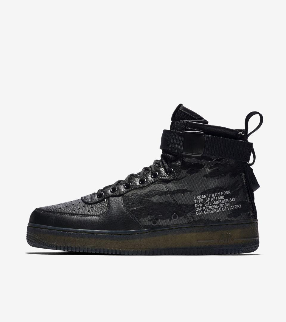 Nike SF Air Force 1 Mid QS