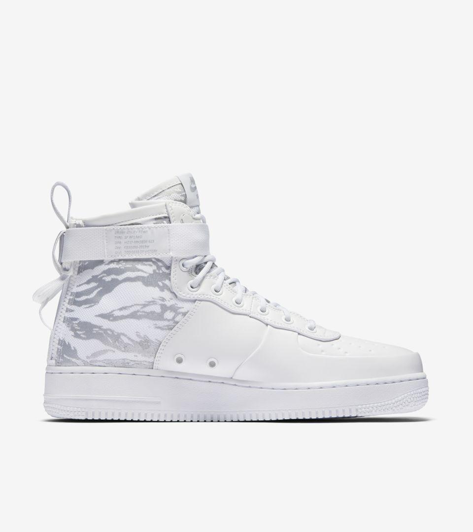 Nike SF Air Force 1 Mid Premium