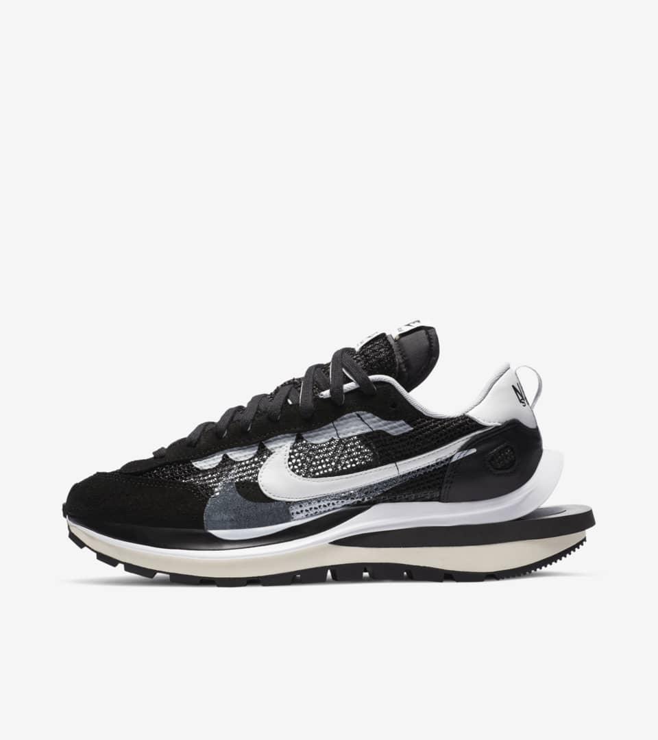 Nike x sacai VaporWaffle 'Black and