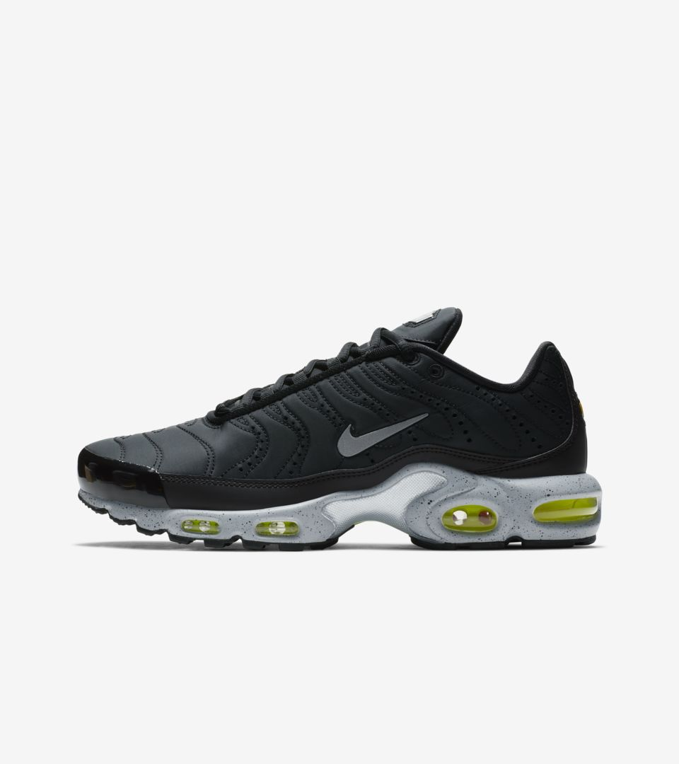 Nike Air Max Plus Premium 'Black & Matte Silver & Volt' Release Date