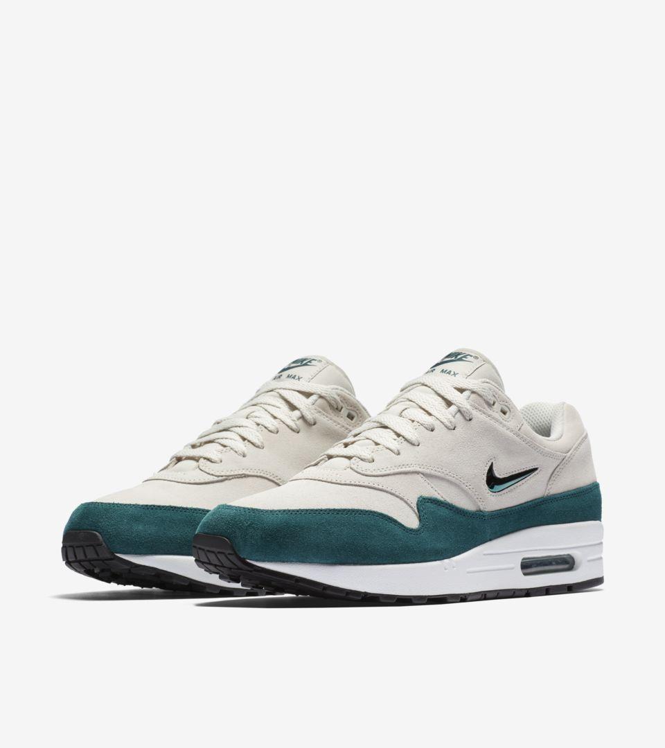 Nike Air Max 1 Premium 'Emerald Green'. Nike SNKRS GB