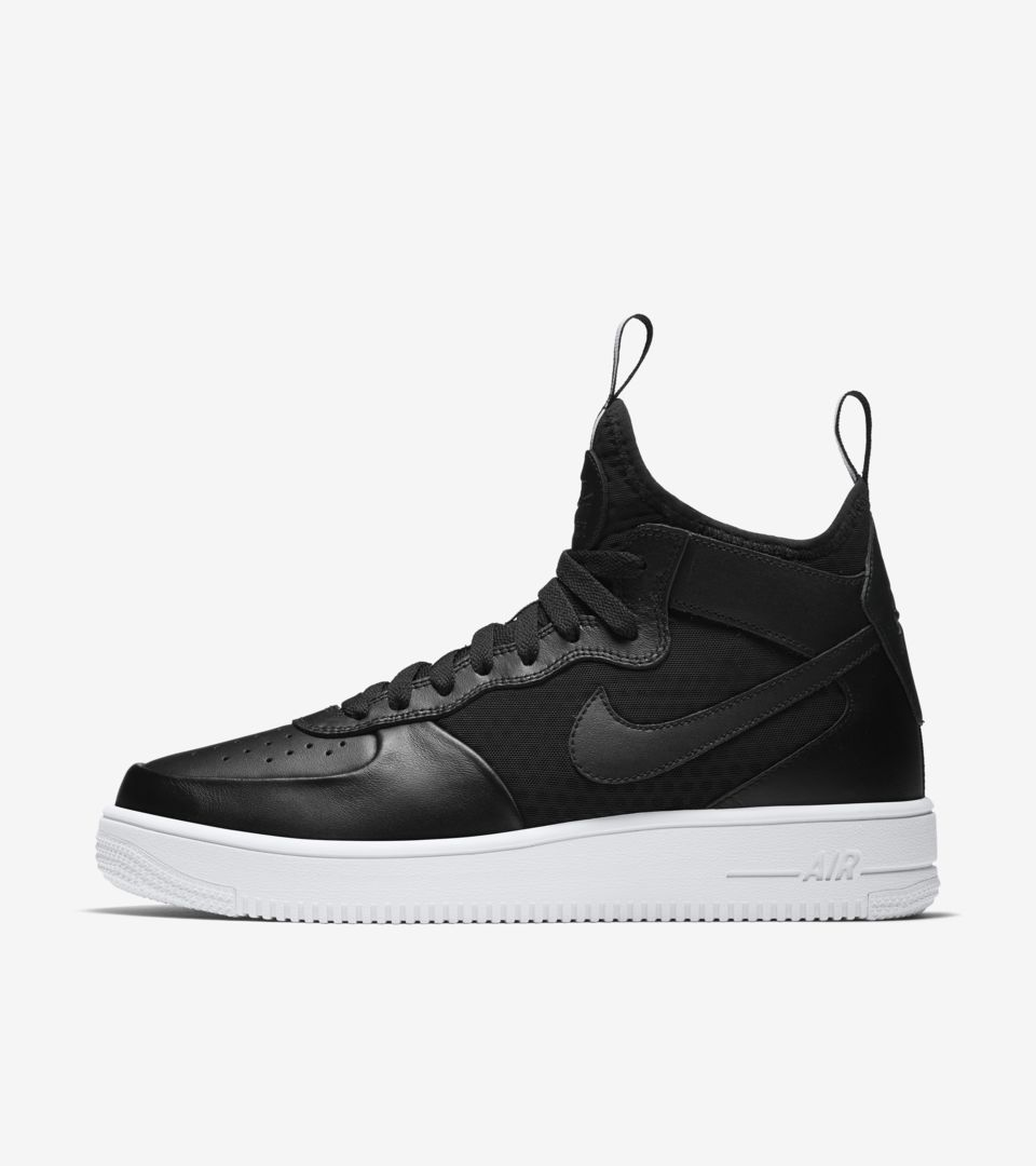 Nike Air Force 1 Ultra Force Mid « Black & White ». Nike SNKRS FR