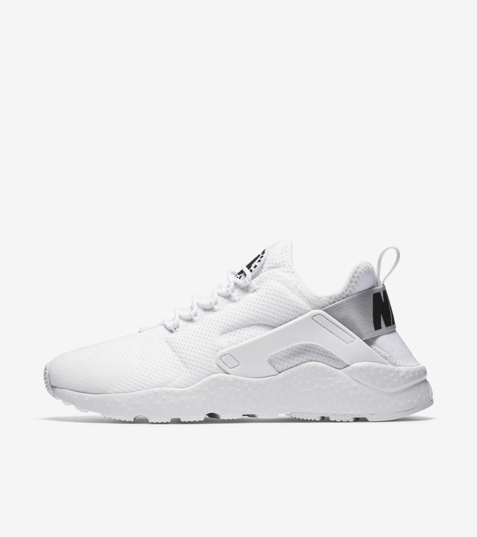 Women's Nike Air Huarache Run Ultra 'Black & White'. Nike SNKRS