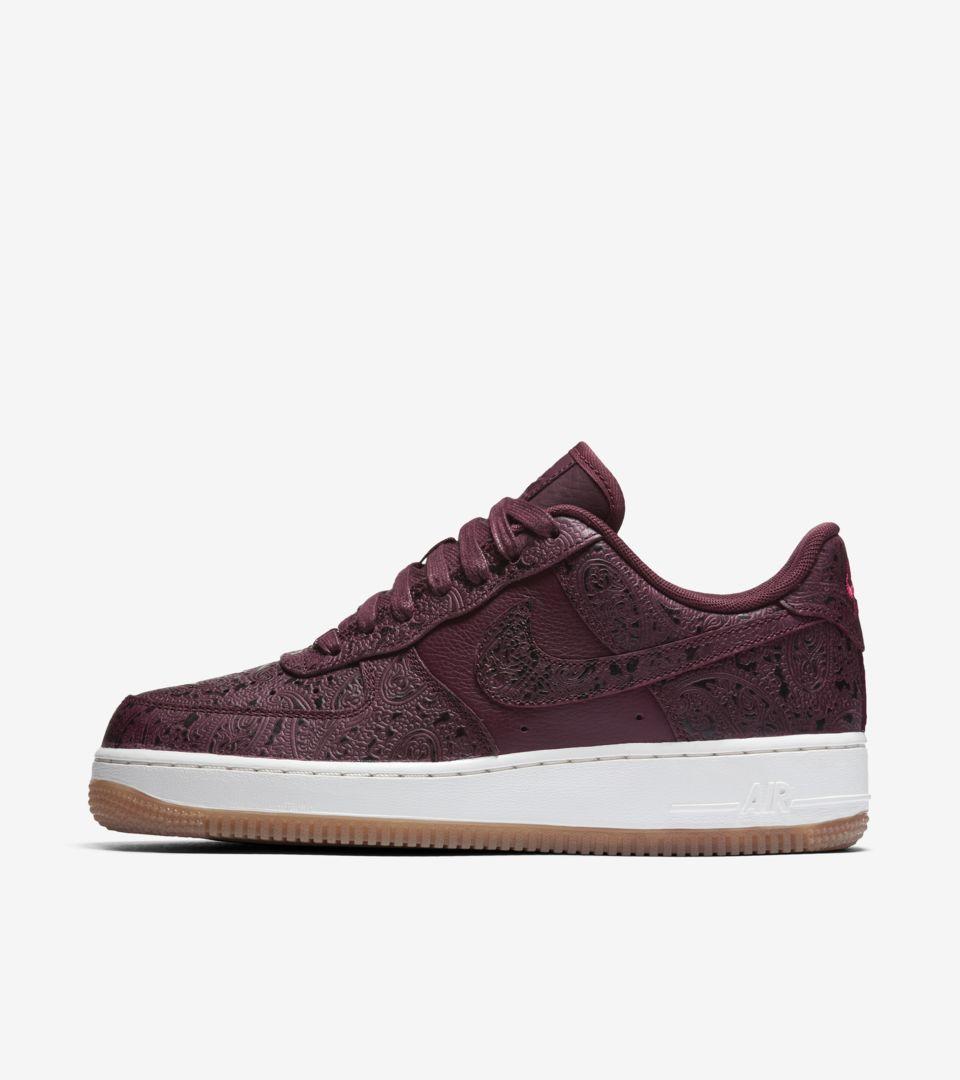 Women S Nike Air Force 1 Night Maroon Sail Release Date Nike Snkrs