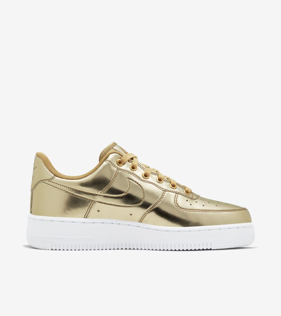 Women's Air Force 1 Metallic 'Gold' Release Date. Nike SNKRS ID