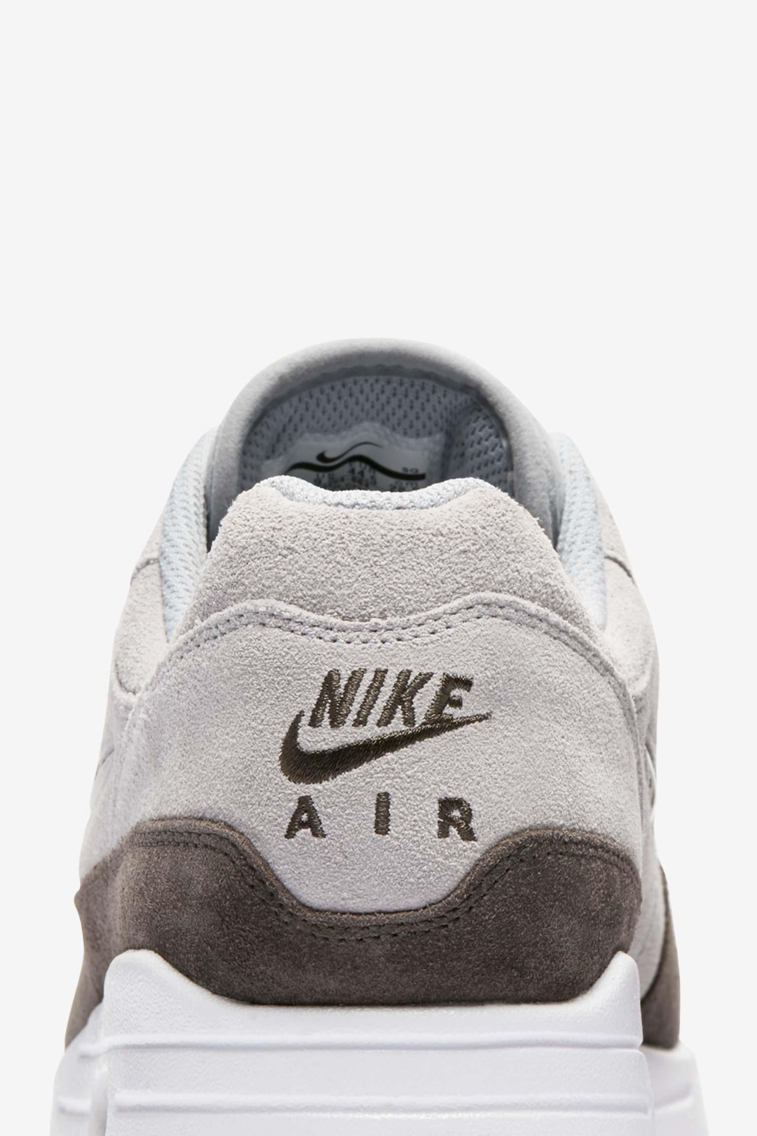 Nike Air Max 1 Premium « Wolf Grey ».. Nike SNKRS BE