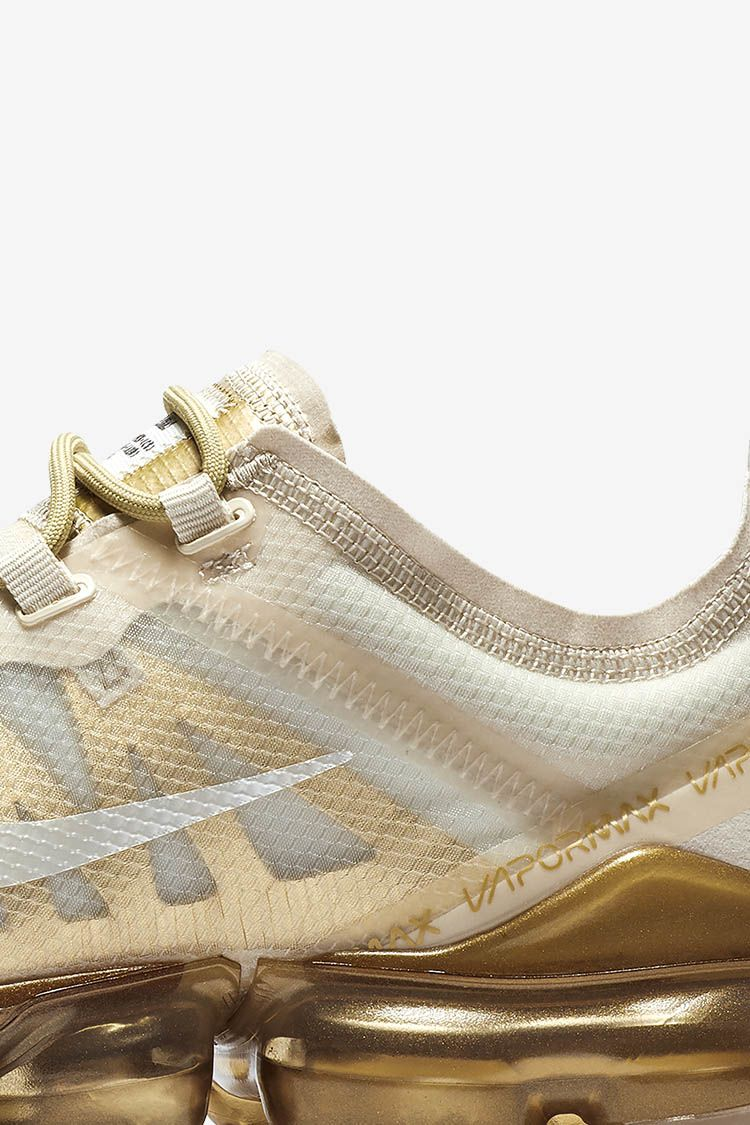 Women's Nike Air Vapormax 2019 'White & Metallic Gold'.. Nike SNKRS