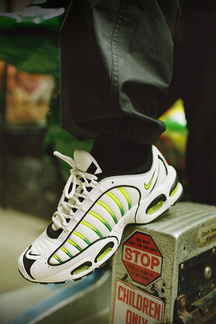 Air Max Tailwind IV 'OG' Release Date. Nike SNKRS