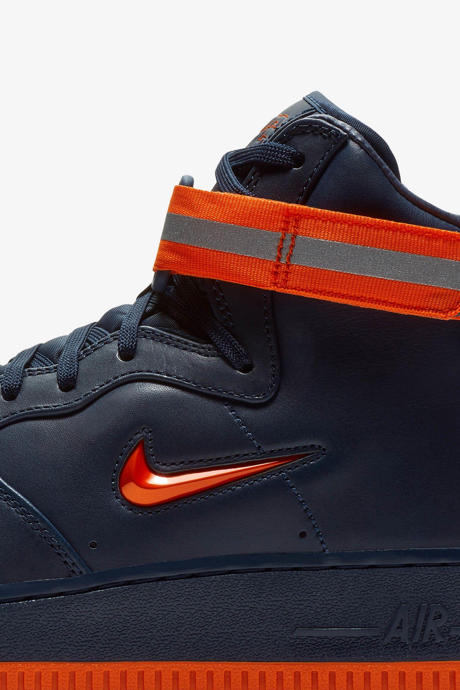 Nike Air Force 1 High arancione