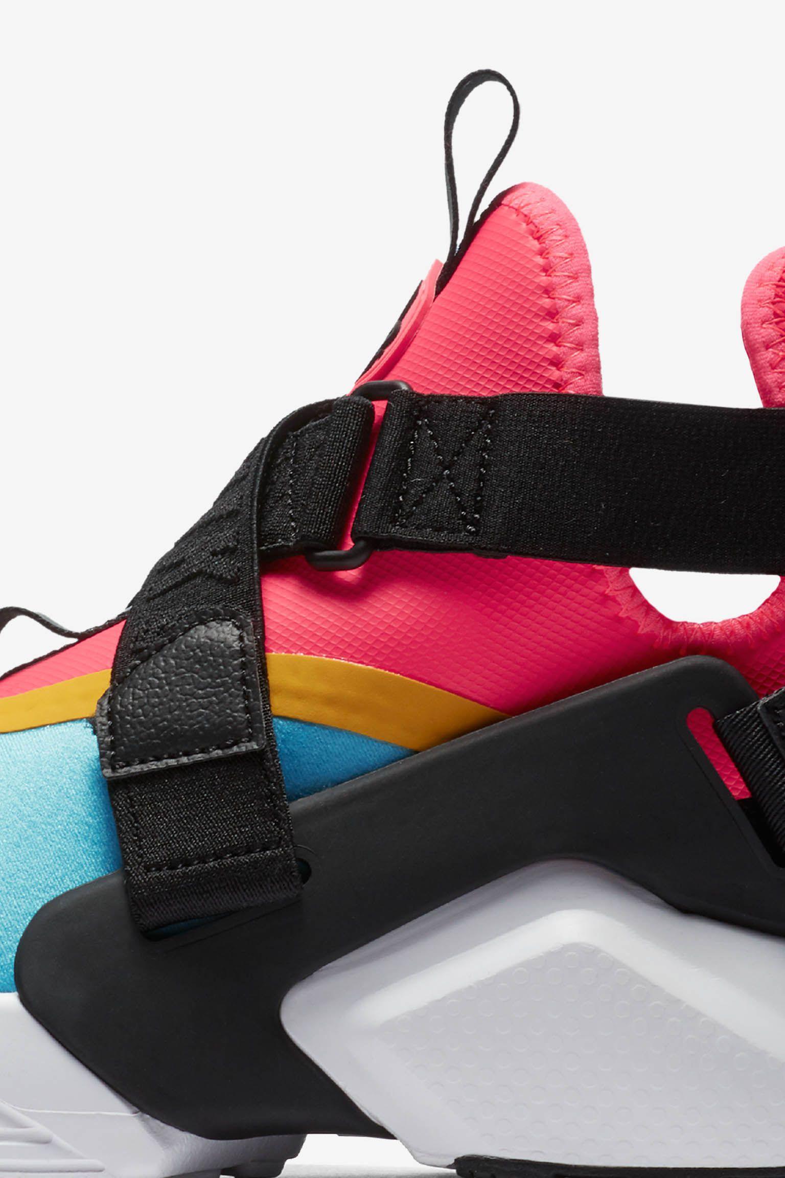 Nike Women S Air Huarache City Bleached Aqua Racer Pink Release Date Nike Snkrs